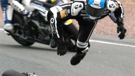 Motorradrennen Hessen by Unfall Motorradfahrer Stirbt Bei Trainingsfahrt Auf Dem