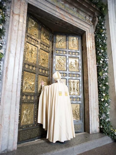 apertura porta apertura porta santa diocesi di nuoro