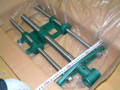 grizzly h7788 cabinet maker s vise grizzly h7788 cabinet maker s viseの取り付け 材料の加工 田中英樹の木工チャレンジ