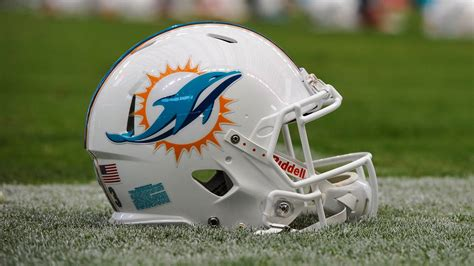hd helmet miami dolphins helmet hd wallpaper 52926 1920x1080 px