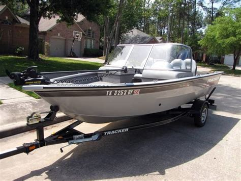 used bass boats at bass pro 2010 used tracker pro guide v 16 wt bass boat for sale