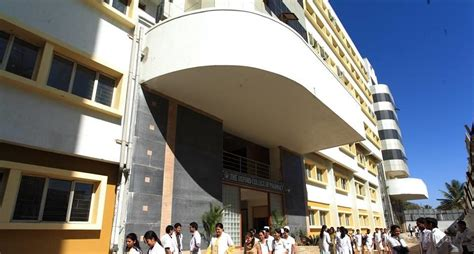 Oxford Mba College Bangalore by The Oxford College Of Pharmacy Bangalore Courses Fees