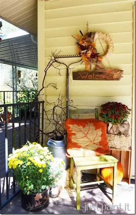 more fall decorating ideas 19 pics 10 curb appealing autumn decorating ideas for your porch