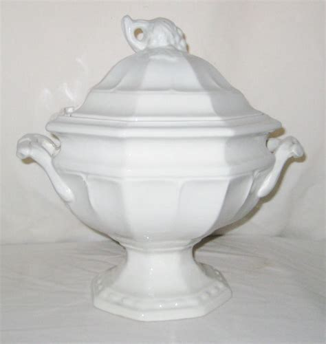 Does Quiktrip Sell Gift Cards - red cliff ironstone 2 5 qt soup tureen with lid grape design octagon marked 5 other