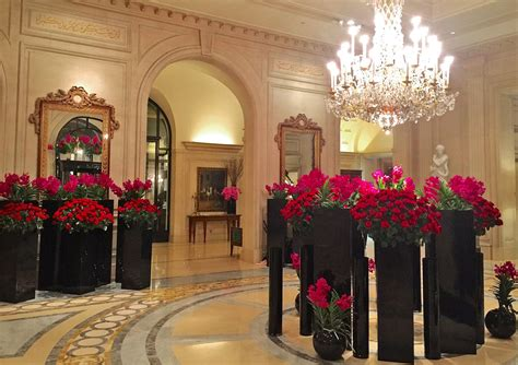 Gift For Home Decoration by Jeff Leatham Flowers Transform Four Seasons George V In