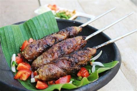 Sate Ayam 10 Tusuk Dan Lontongketupatnasi 10 macam sate khas indonesia ini nggak kalah enak dari