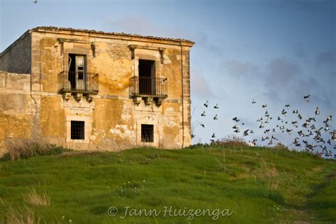 buy house sicily ancient abandoned alone 171 baroquesicily com sicily stories and travel tips from