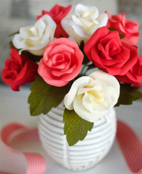 How To Make Paper Buds - tricolor crepe paper bouquet allfreepapercrafts