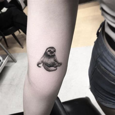 sloth tattoo 25 best ideas about sloth on animal