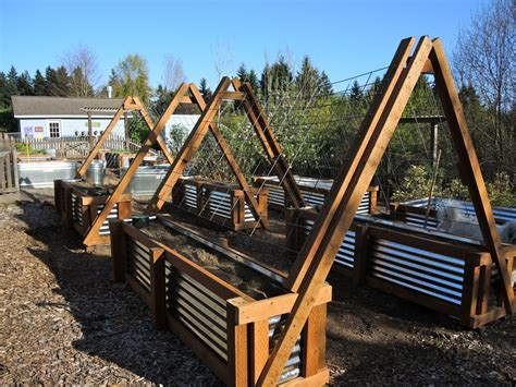 Galvanized Steel Garden Beds by How To Galvanized Garden Beds Blueberry Hill Crafting