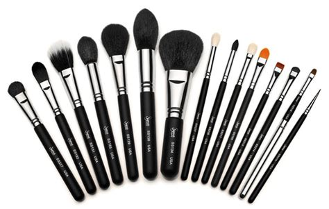 Make Up Tools about town how to clean your makeup brushes