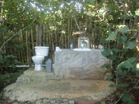 How To A To Use Bathroom Outside by Sea Grape Outside Bathroom Picture Of Great Huts Port
