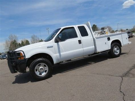 Sell used 2006 Ford F250 Supercab 4x4 Service Utility Body