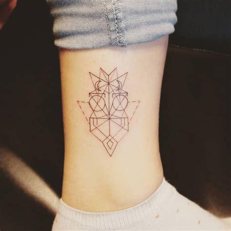 tatuaje tattoo tatuaje de un b 250 ho de estilo geom 233 trico situado