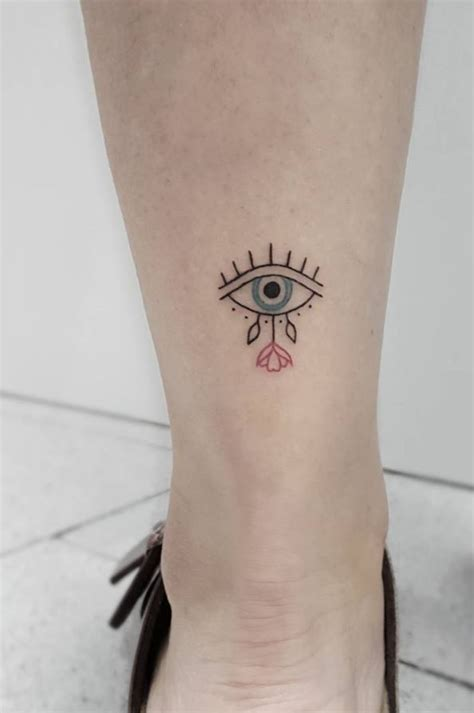 small eye tattoo 32 gorgeous ideas for doozy list