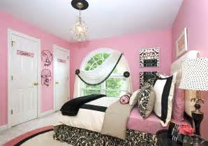 Pink Teenage Bedroom Ideas A Bedroom Makeover For A Teen Girl S Room Devine