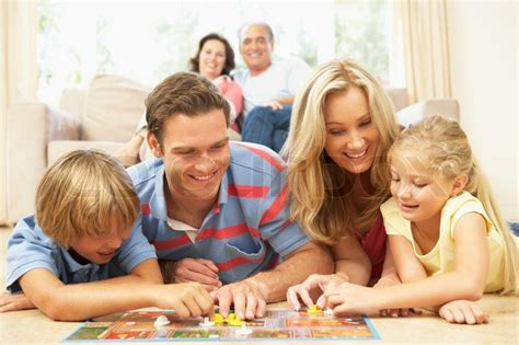 schule spielen zu hause familie spielen brettspiele zu hause bei den gro 223 eltern