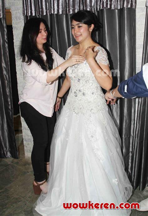 Baju Sonya Top Gm foto asmirandah dipercaya untuk rancang gaun pengantin sonya prischillia foto 12 dari 17