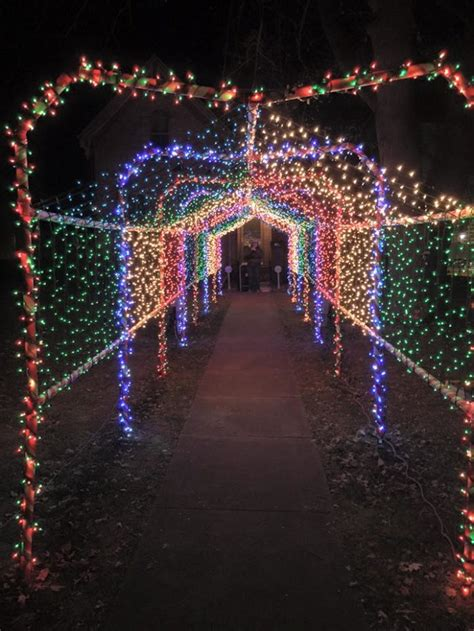christmas lights in illinois take this road trip to see the best christmas light