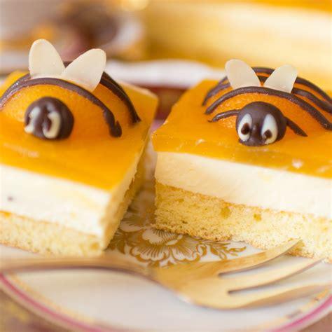 bienen kuchen osterkuchen anleitung bienenkuchen aprikosen schmand