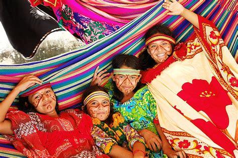 imagenes mujeres wayuu arte wayuu arte wayuu producido por la cooperativa