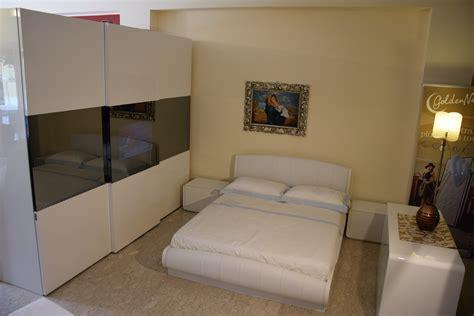 armadio con televisore incorporato prezzi da letto con televisore incorporato sottocosto