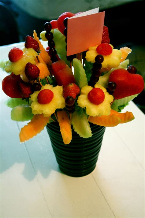 edible creations how to fruit bouquets and edible fruit bouquet on pinterest edible arrangements edible