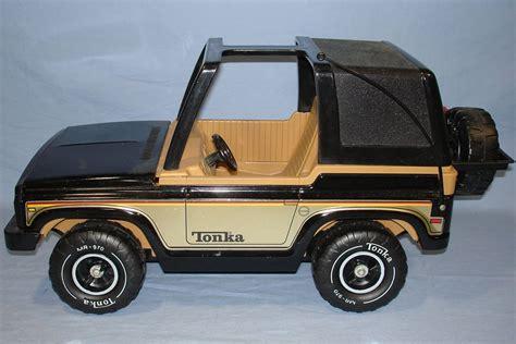 tonka jeep vintage tonka corporation 4x4 black jeep spare tire
