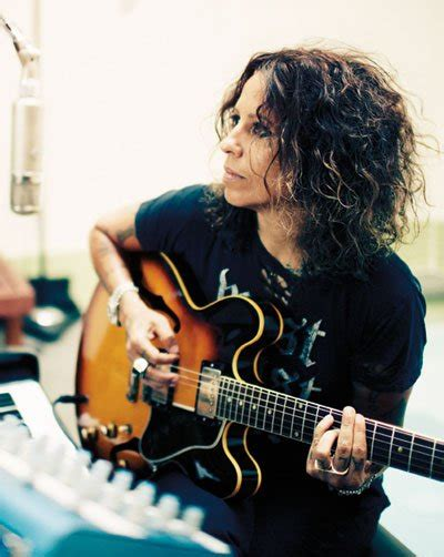 youtube linda perry knock me out linda perry music videos stats and photos last fm