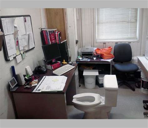 Toilet Desk Chair by 10 Things You Should Never See At The Office Techeblog