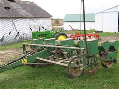 1240 Deere Planter by Used Farm Tractors For Sale Deere 1240 Corn Planter