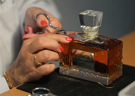 what is the difference between perfume eau de toilette and eau de cologne