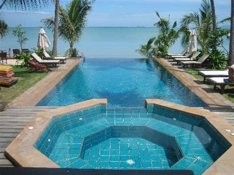 amazing pool designs 100 amazing infinity pools to blow your mind digsdigs