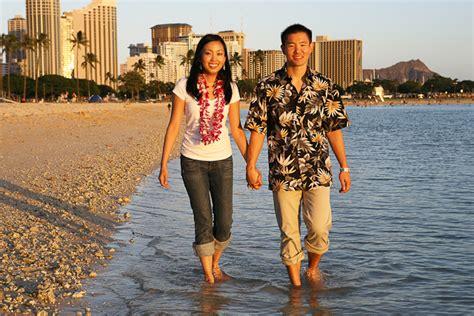 Hawaii Engagement Photography  Oahu Portrait Photographer   Waikiki, Oahu Photographers