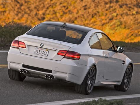 bmw  coupe  version picture    rear angle