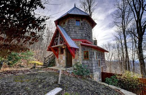 Small Home Communities In Carolina Hobbit House Evokes Spirit Of Shire With Its Turret