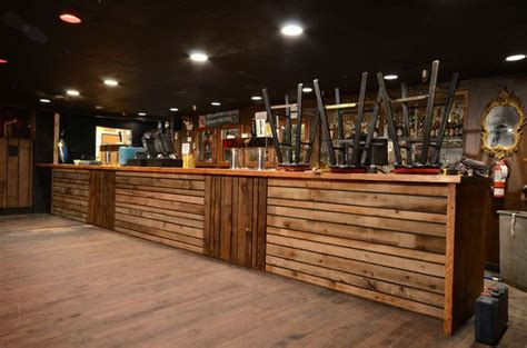 Wood Bar Design Ideas by Wood Boot Seats Buscar Con Barras Largas Boots Bar And Search