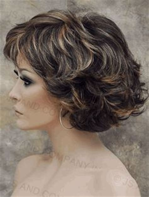 lots of layers fo short hair pretty short hairstyles for older women above 40 and 50 2