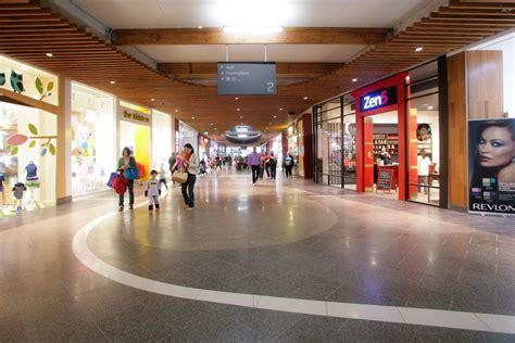 Floor Center by Highpoint Shopping Centre