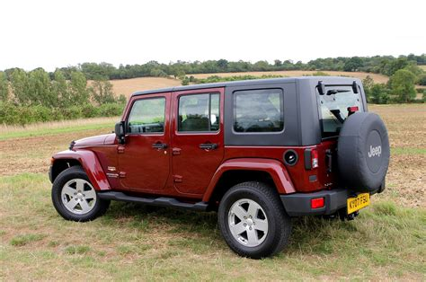 jeep wrangler reviews jeep wrangler hardtop review 2007 parkers