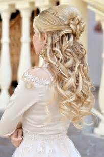 frisuren lange haare halboffen geflochten die besten 17 ideen zu brautfrisuren mit schleier auf hochzeitsfrisur dutt schleier