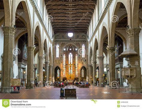 l interno della l interno della basilica di santa croce a firenze italia