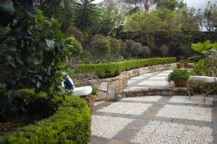 Formal Cottage Garden Ideas - french provincial gardens indooroopilly boss gardenscapes