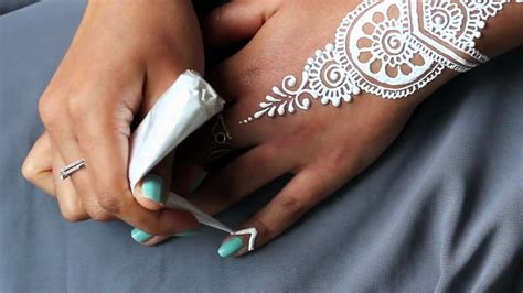 how to apply henna tattoo at home diy how to apply white henna paint temporary