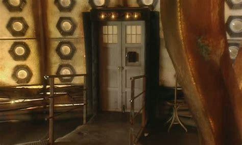 Tardis Interior Door Series One Tardis Interior Tardis Interior And Console Rooms The Doctor Who Site