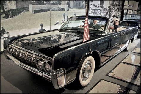 kennedy lincoln assassination kennedy assassination how many in the car