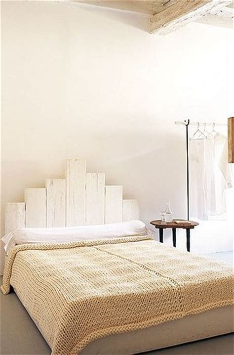 White Painted Headboard by 25 Best Ideas About Painted Wood Headboard On