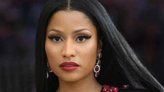 Nicki Minaj Nicki Minaj Pays Fans Tuition School Expenses In A Burst