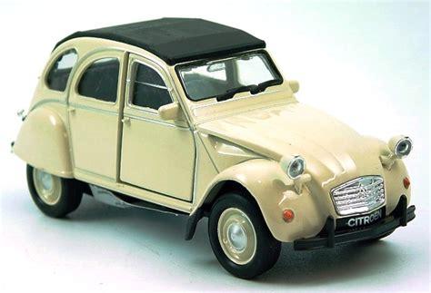 Auto Ente Zu Verkaufen by Die Kultige Ente Modell Auto Citroen 2cv Neu 1 38 Welly