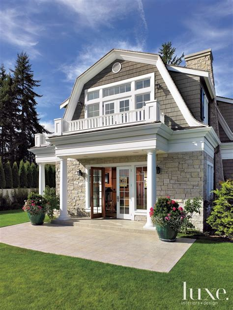 20 exles of homes with gambrel roofs photo exles gambrel roof 20 exles of beautiful home gambrel